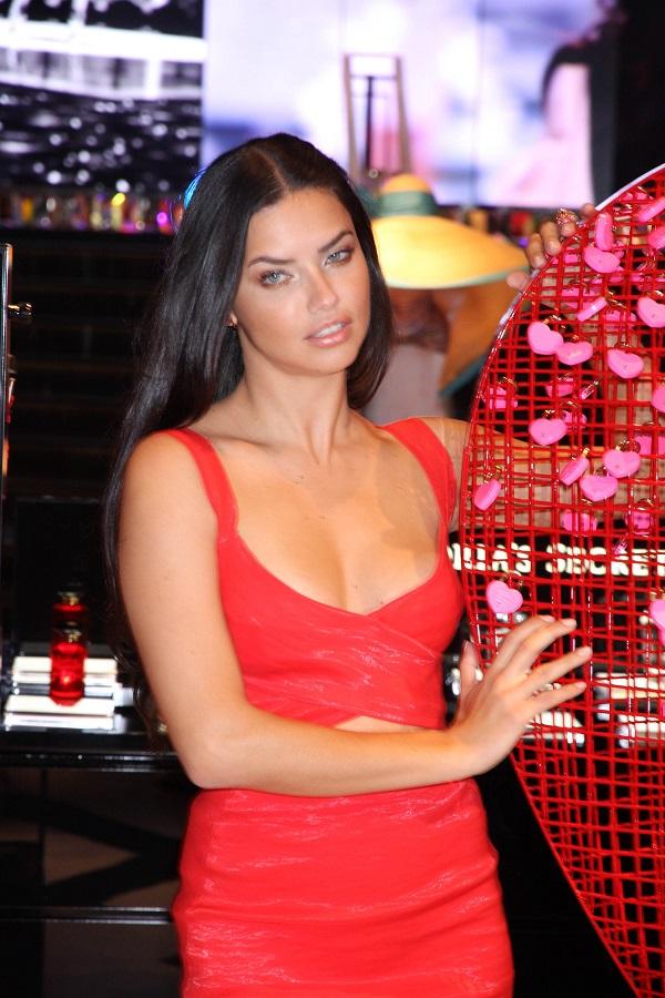 drianna Lima at the Forum Shops at Caesars Palace